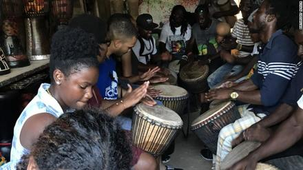 Young Black Americans who want to explore their roots can take a free birthright trip to Africa. Here's how