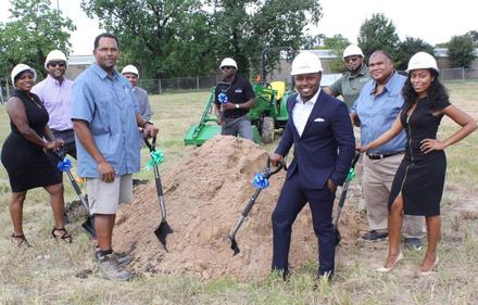 Entrepreneurs buy entire blocks in Fifth Ward to revitalize and bring in black-owned businesses